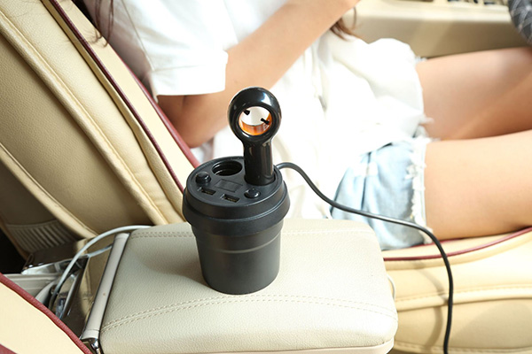 車載マイナスイオン空気清浄機 フィルター交換不要 シガーソケット取り付け